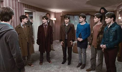 Harry-Potter-and-the-Deathly-Hallows-Multiple-Harrys-22-9-10-kc